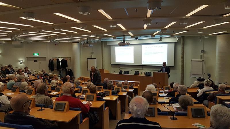 Sam Norryd, jurist på äldreförvaltningen föreläser om framtidsfullmakter