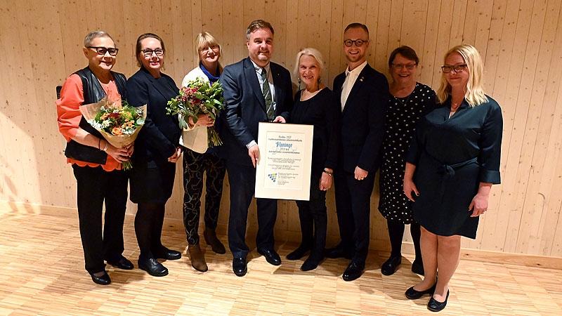 Representanter för pristagarna Haninge och Skellefteå.
