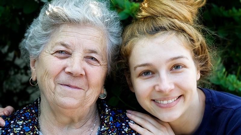 mötsplatsen träffa äldre kvinna